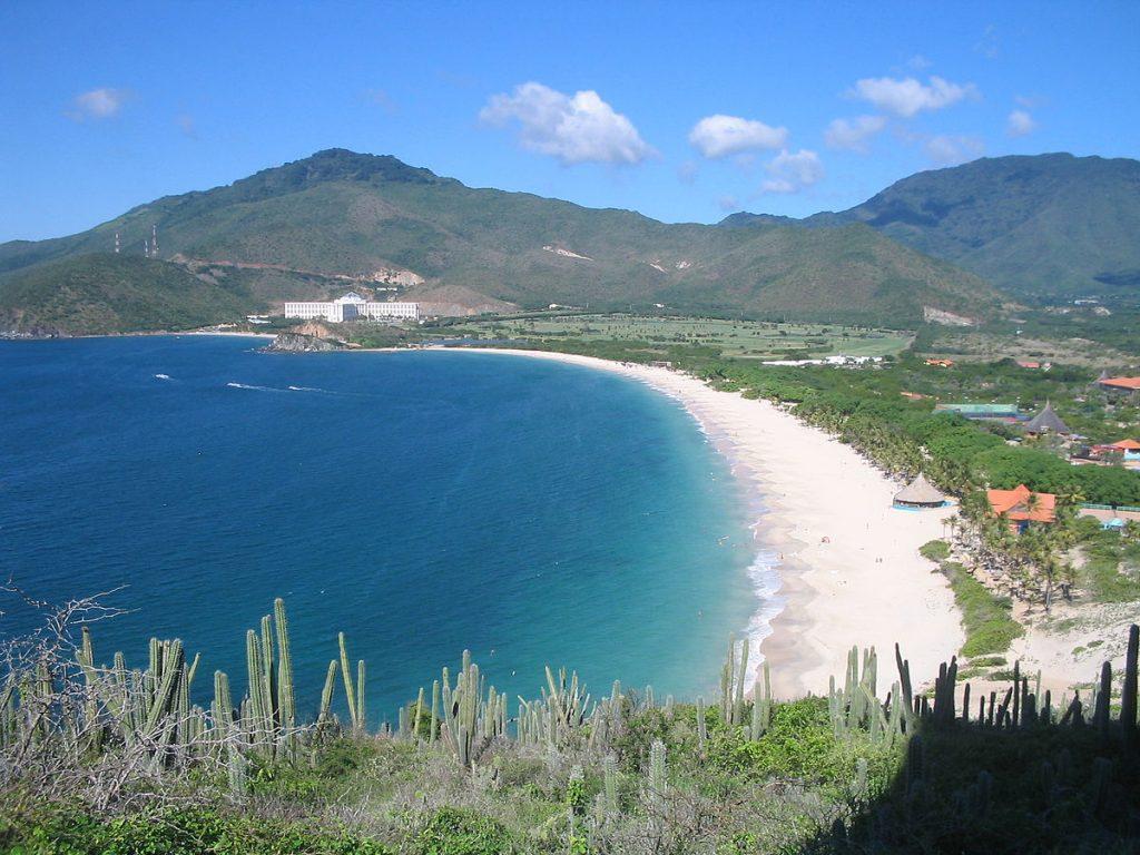 Donde esta Playa Puerto Cruz en Isla Margarita. Ubicación de Playa Puerto Cruz