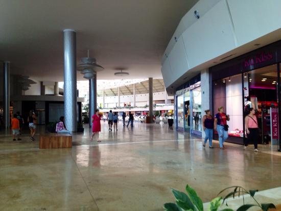 Centro Comercial Parque Costazul en Isla Margarita