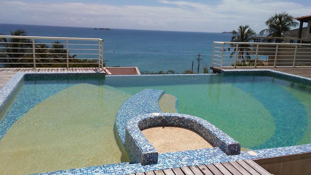 Piscina Apartamento La Goleta en Bahia Pampatar Isla Margarita