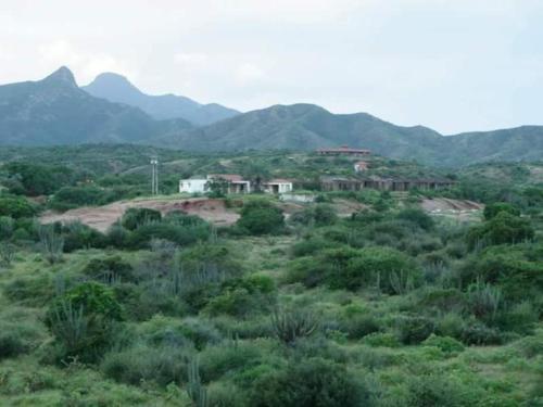 Vista panoramica posada ecologica en playa punta arenas