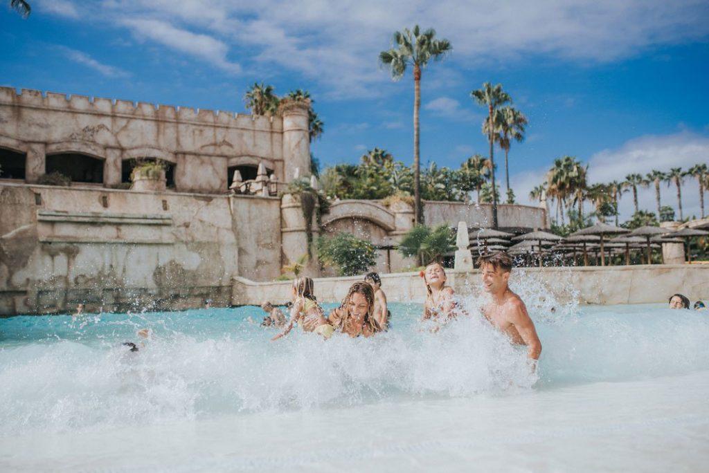 Tenerife con niños: piscina de olas Aqualand Costa Adeje