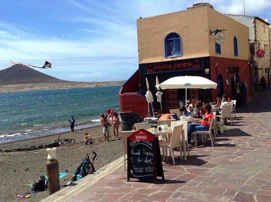Playas de Tenerife: Playa Chica El Medano Granadilla de Abona Tenerife