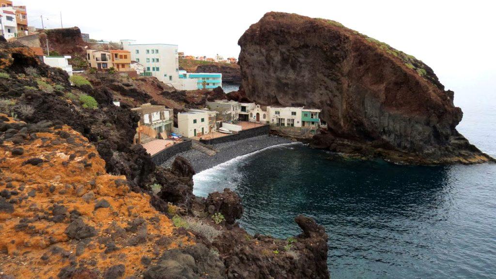 Playas de Tenerife: Playa de los Roques de Fasnia Fasnia Tenerife