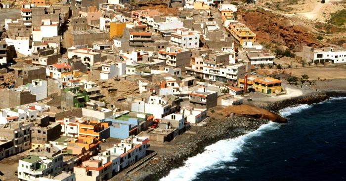Playas de Tenerife: Playa de las Maretas Playa del Rio Arico Tenerife