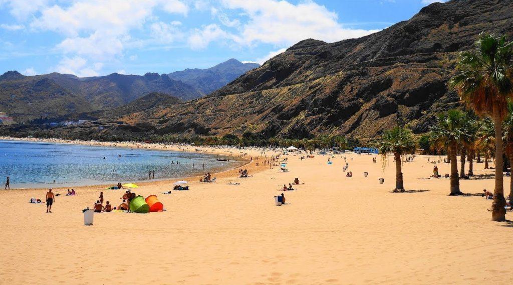 Playas de Tenerife: Playa de las Teresitas Santa Cruz de Tenerife Tenerife