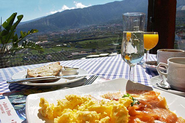 Tenerife con niños: desayuno con vistas el monasterio tenerife