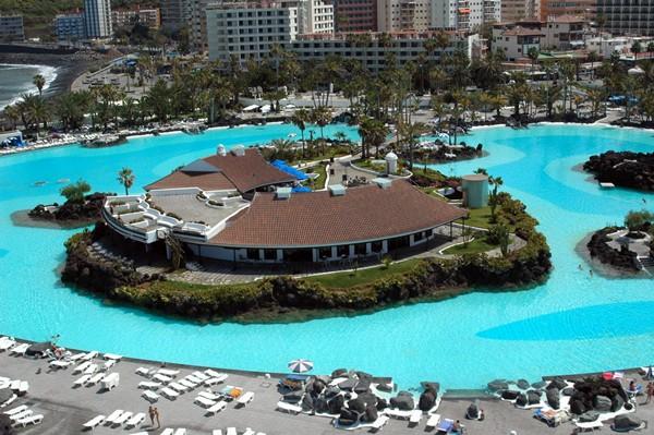 Tenerife con niños: lago martianez tenerife