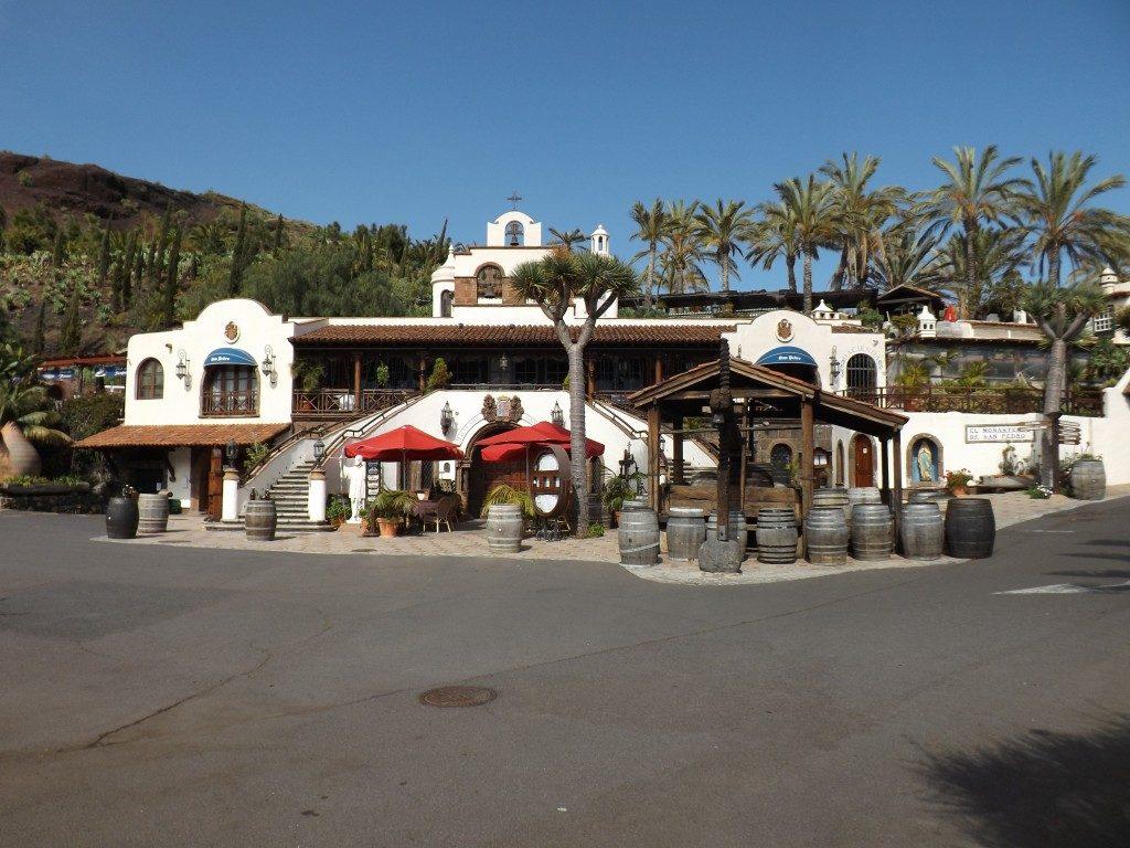 Tenerife con niños: meson el monasterio tenerife