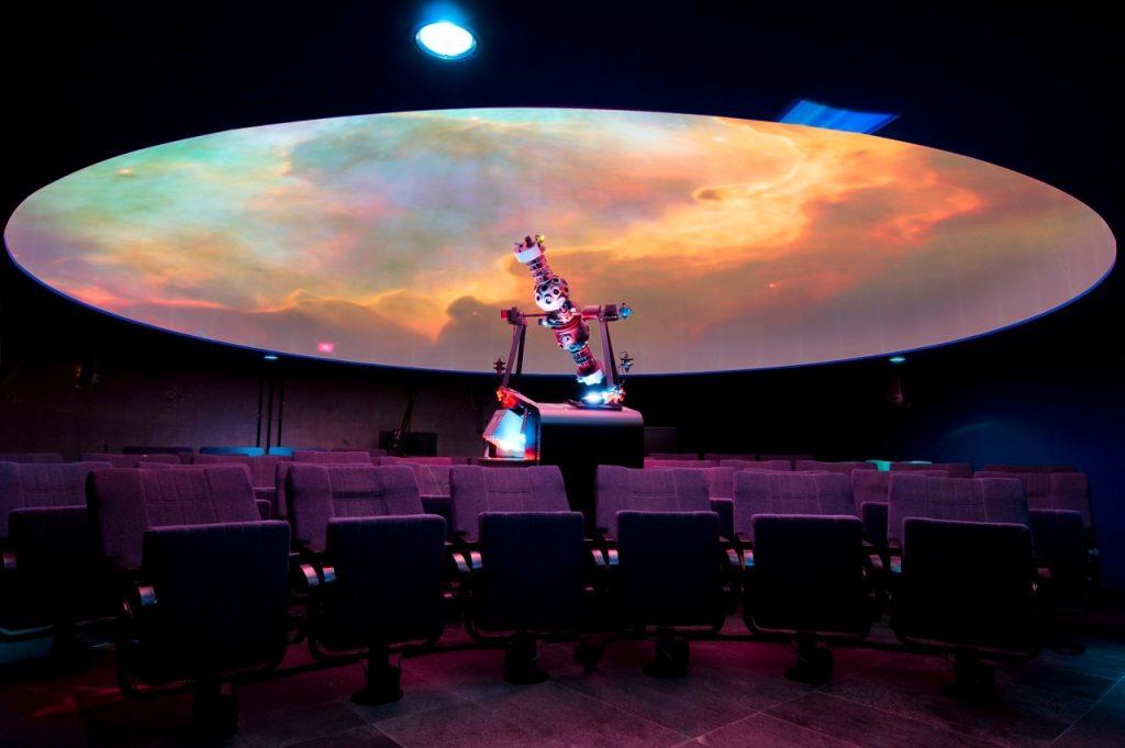 Tenerife con niños: planetario museo de la ciencia y el cosmos